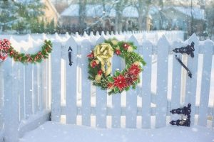 How to Prepare Your Home's Fence For Winter